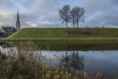 哥本哈根,丹麦-运河和草甸 免版税图库摄影