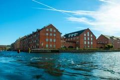 哥本哈根,丹麦-运河议院 免版税库存图片
