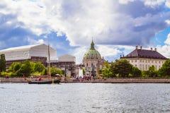 哥本哈根-与大理石教会的都市风景 免版税图库摄影
