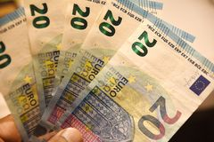 哥本哈根/丹麦12 2018年11月 欧洲货币欧元20笔记在哥本哈根丹麦 照片 弗朗西斯约瑟夫教务长/ 库存图片