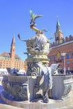 哥本哈根 喷泉公牛撕毁的龙 库存照片