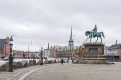 哥本哈根- 2016年10月23日:对Borsen大厦的一幅全景 免版税库存图片