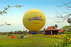 吴哥热空气气球,暹粒 免版税库存图片