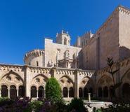 从哥特式修道院的塔拉贡纳大教堂 库存图片