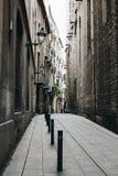 哥特式处所街道在巴塞罗那,西班牙 免版税库存照片