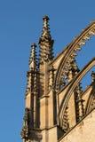 哥特式大教堂外部的元素 免版税库存照片