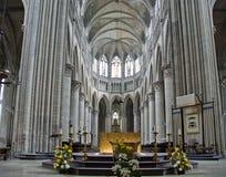 哥特式大教堂的内部在鲁昂,法国 免版税图库摄影