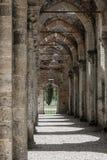 哥特式天空教会修道院圣galgano托斯卡纳意大利托斯卡纳历史的窗口 免版税库存图片