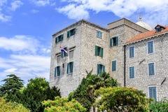哥特式房子老牌墙壁视窗 免版税图库摄影