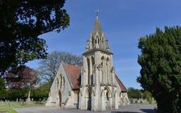 哥特式教会和公墓 免版税图库摄影