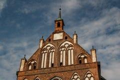哥特式教会在格赖夫斯瓦尔德的历史的中心 免版税图库摄影