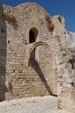 哥特式教会废墟在罗得岛镇的历史的中心 免版税库存图片