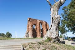 哥特式教会废墟从位于Trzesacz的14/15世纪在波罗的海附近 免版税库存照片