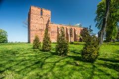 哥特式教会废墟 免版税库存照片