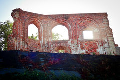 哥特式教会废墟从14/15th centur的在Trzesacz,波兰 免版税库存照片