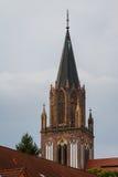 哥特式教堂钟塔在新勃兰登堡 库存图片