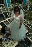 哥特式新娘和女孩 库存照片