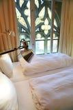 哥特式旅馆客房视窗 免版税库存图片