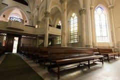 哥特式样式教会内部 免版税图库摄影