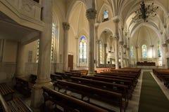 哥特式样式教会内部 免版税库存照片