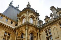 哥特式法国样式大别墅 免版税库存照片