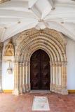 哥特式门户在作为一家历史旅馆使用的Loios女修道院 免版税图库摄影