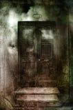 哥特式黑暗的门 免版税库存图片