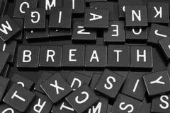 哥特式黑体字铺磁砖拼写词& x22; breath& x22; 免版税库存图片