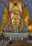 哥特式巴塞罗那大教堂(Catedral de Barcelon的内部 库存图片