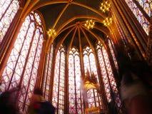 哥特式Sainte的Chapelle游人 库存照片