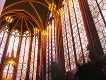 哥特式Sainte Chapelle,巴黎的彩色玻璃Windows 免版税库存图片