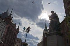 哥白尼纪念碑nicolaus托伦 免版税库存图片