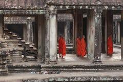 吴哥窟寺庙画廊内部,柬埔寨 免版税库存图片