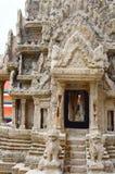 吴哥窟模型 详细资料 鲜绿色菩萨或曼谷玉佛寺,盛大宫殿,曼谷的寺庙 免版税库存图片