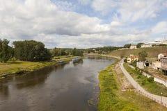 哥罗德诺和尼曼河的历史的中心的看法 迟来的 库存图片