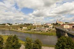 哥罗德诺,白俄罗斯- 2016年7月10日:老桥梁、历史的中心和河Neman照片  库存图片