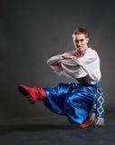 哥萨克跳舞年轻人 库存图片