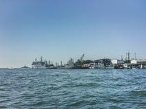 哨舰在加勒比海在卡塔赫钠 免版税库存图片