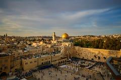 哭墙和Al Aqsa在耶路撒冷,日落视图 免版税图库摄影