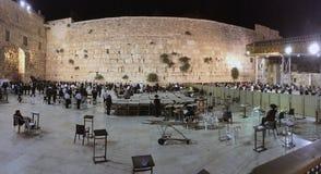 哭墙在夜全景的耶路撒冷以色列 库存照片