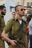 哭墙的犹太战士在耶路撒冷 免版税图库摄影