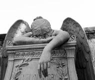 哭泣的天使 免版税库存图片