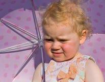 哭泣的女孩伞 库存照片