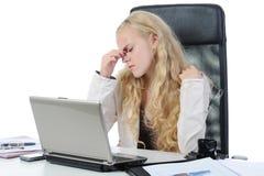 哭泣的女孩办公室 免版税库存照片