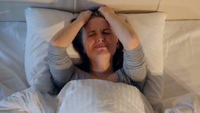 哭泣的女孩的画象 特写镜头 4K 股票视频