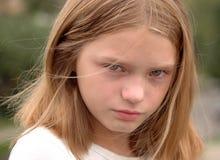 哭泣的女孩纵向 库存照片