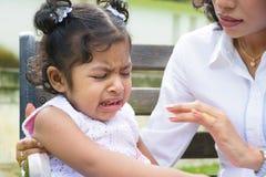 哭泣的女孩 库存照片