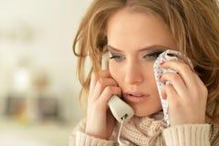 哭泣的妇女年轻人 免版税库存图片