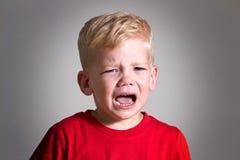 哭泣的孩子儿童男孩 免版税库存图片