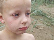 哭泣的男孩 免版税库存照片